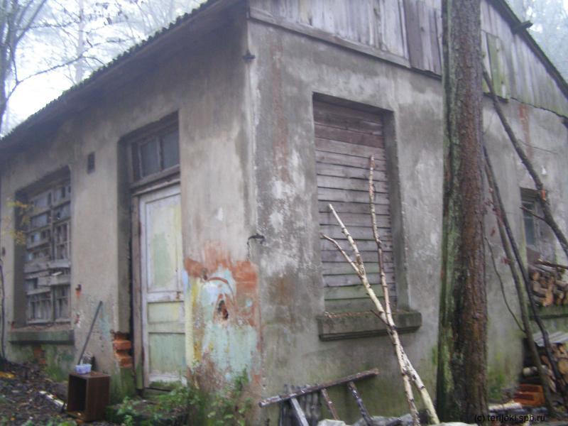 Часть стены бывш. дача Перримонда использована для постройки сарая