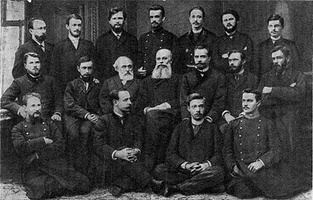 Vasily_Dokuchaev_and_Alexander_Sovetov_with_students