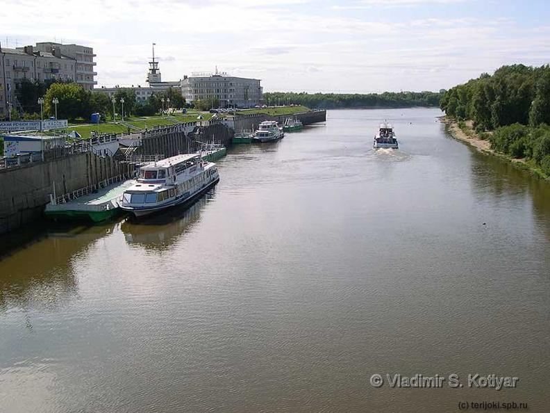 река омь на лодке