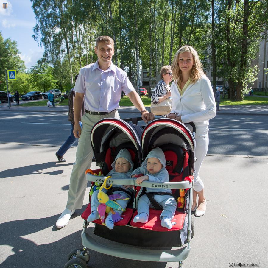 Б. А. Семенов с семьей, фото 2015 г.